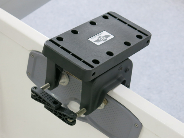 Haswing Heck-Montageklammernpaar für alle Cayman-Motoren