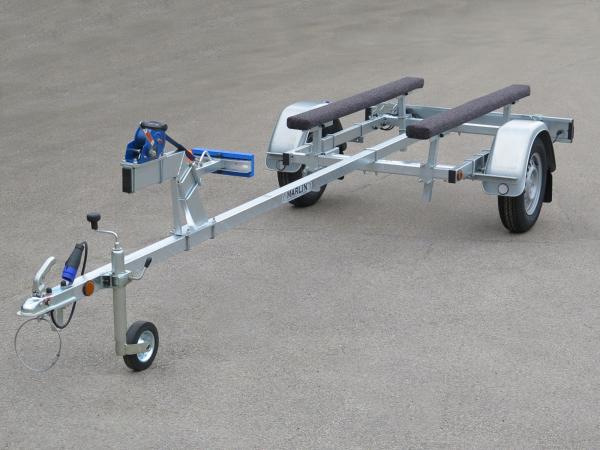 Marlin- Bootstrailer BTE 500 KG gewinkelter Windenstand / 100km/h Zulassung